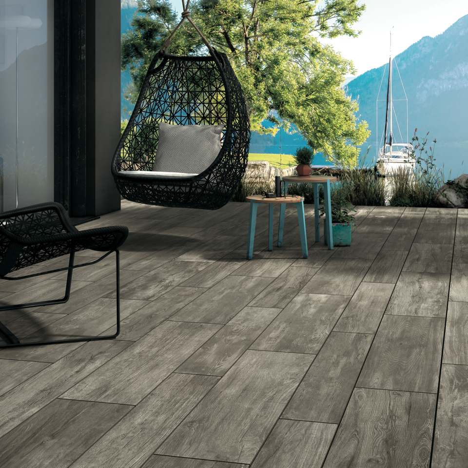 Outdoor Living image 4