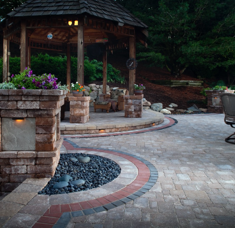 Outdoor Living image 3