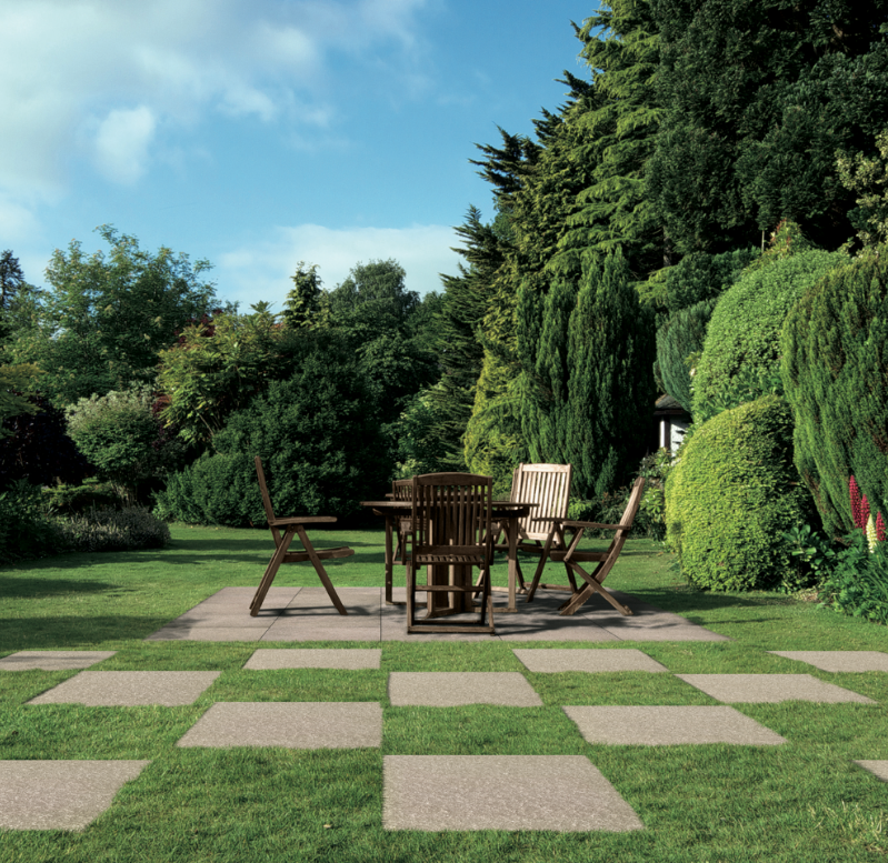 Outdoor Living image 1