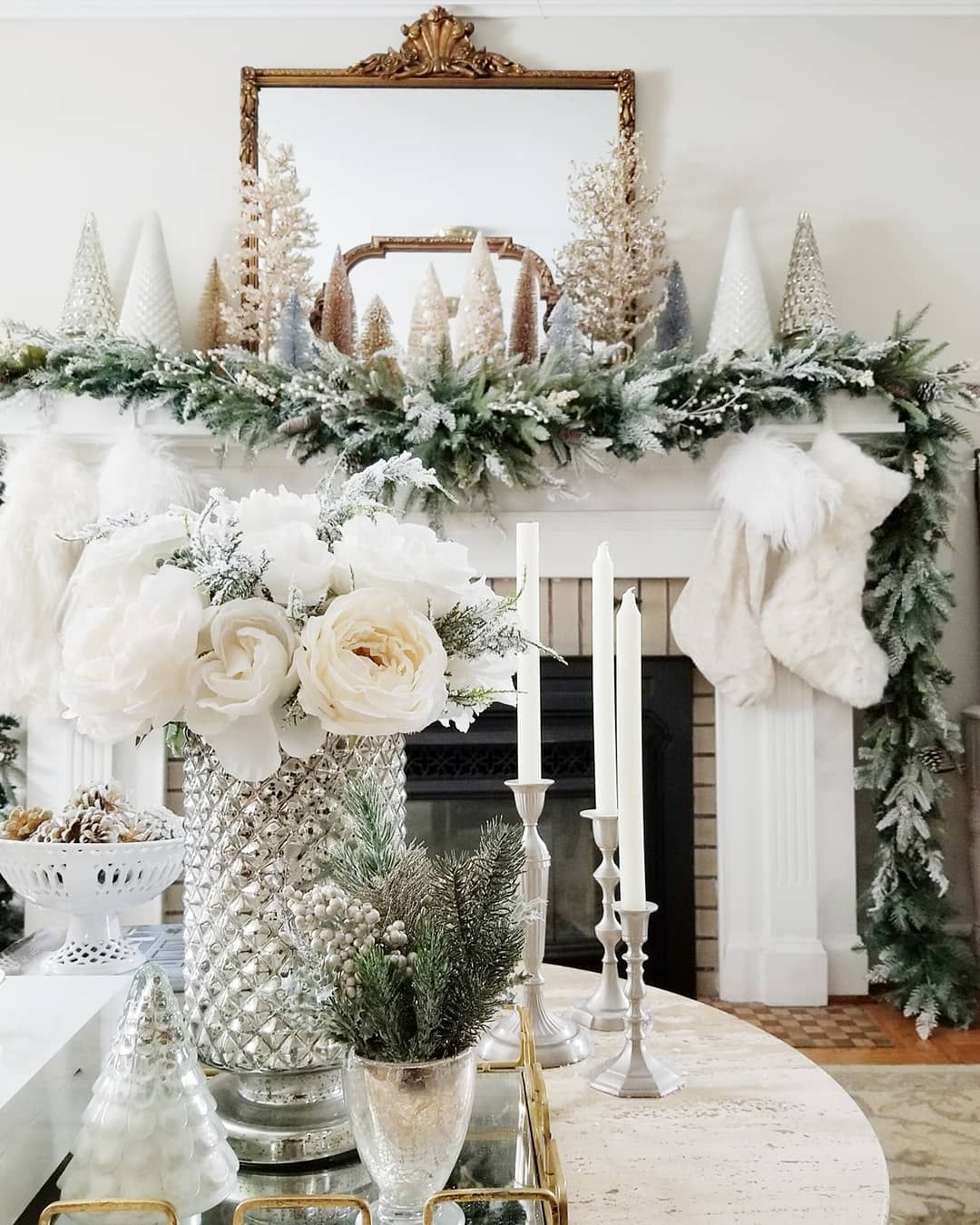 5 Ways to Decorate Your Fireplace Mantel for Christmas  image